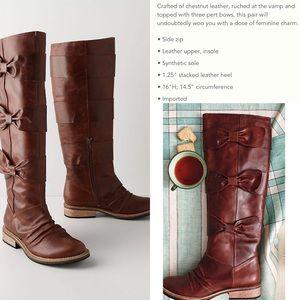 RARE/HTF Bowtied-Beauty Boots 6.5/7
